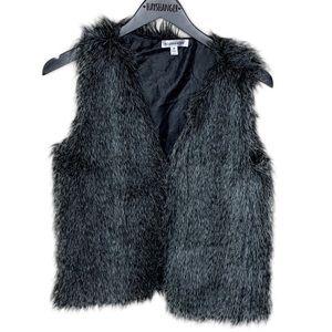 Roommates soft black and white faux fur vest